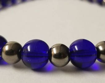 Round glass iris blue & dark gray pearl beads necklace