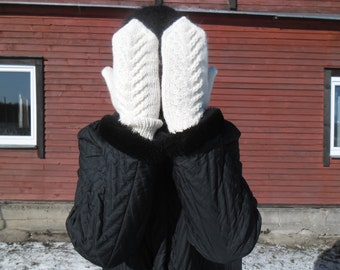 White wool knitted mittens, Wool gloves, Winter weddings gloves, Handmade cable knit wool mittens, Knitted wool mittens