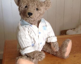 "Hampton Bears, Leroy, 22"" antique style Artist Bear"