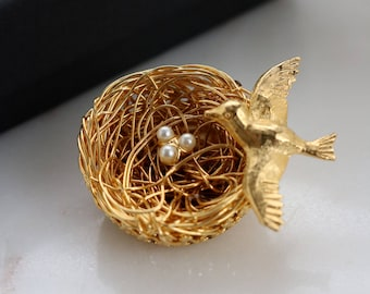 Gold Bird on Nest Brooch - Gold Bird Brooch - Bird Nest with White egg Pearls