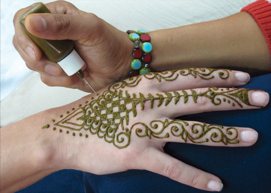 Mehndi Henna Pen : Prefilled ready to use rajasthani natural brown henna