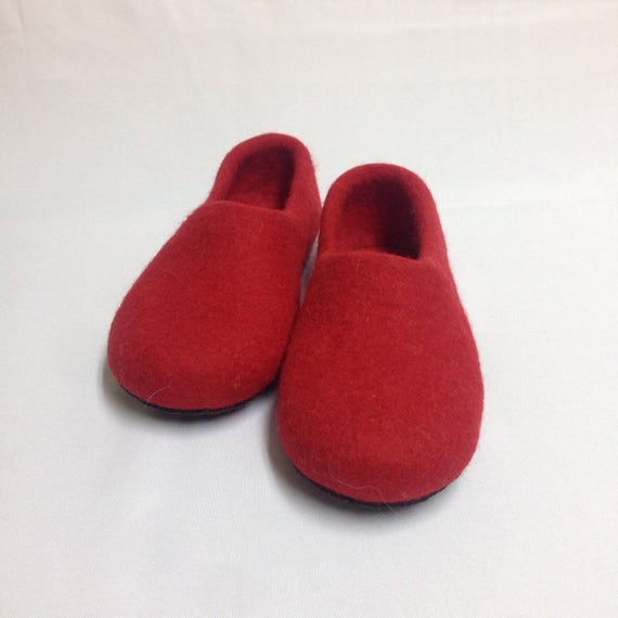 Red felted slippers Handmade gift wool clogs natural Felted wool house shoes slippers Woman's Warming T6TxaqHwr