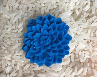 Cobalt chrysanthemum flower cab 33mm