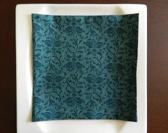 Damask Print on Green Napkins. Modern Cotton Napkins. Set of 4. Great Hostess Gift.