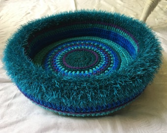 Simone's  Hand Crocheted Cat Bed  (no. 1812)