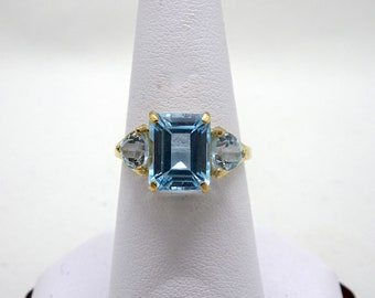 Ladies Yellow Gold Topaz Ring-www.previouslylovedtreasures.com