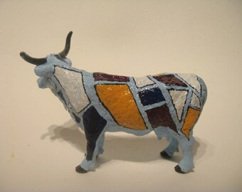 """Painted cow style """"Cow Parade"""""""