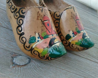 Wooden shoes// wall decor  3X7 clog traditional// Holland hand painted