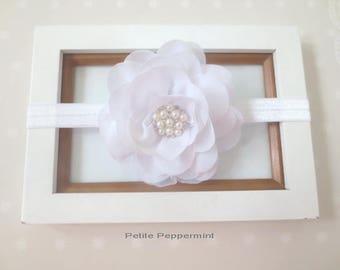 White baby headband, baby headband bow, newborn headband, Baptism headband, First Communion headband, white girl hair bow, infant headband