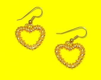 Vintage 1970s Anne Klein Brand Gold Wrapped Hearts Dangle Drop Earrings