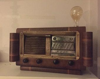 Old vintage radio lamp / Lamp old transistor