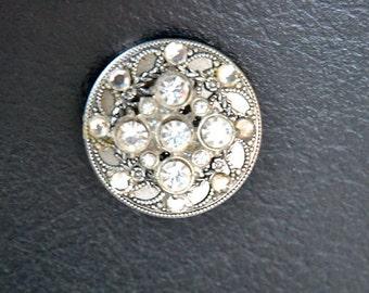 Brooch Vintage Rhinestone piece on silvertone button