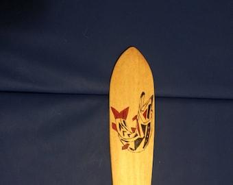 Handmade Poplar Canoe paddle with Northern Pike