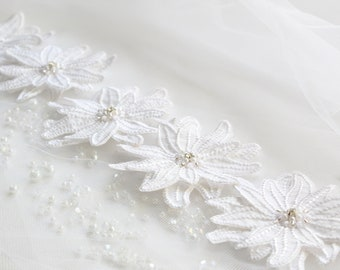 Embroidered Flowers, Fabric Flowers, White Appliques, 3D Decorations, Wedding Gown Decor, Wedding Flowers, DIY Decor, Bridal Veil Flowers