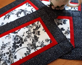 Red and Black Mug Rug - Office Snack Mat - Quilted Mug Mat - Mini Placemat -  Floral Mug Mat - Snack Mat Coaster