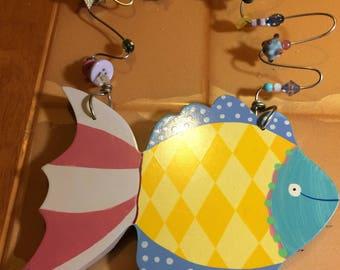 Cute-Hannabells-Wooden-Fish-Plaque-by-Johnna-Elstob-for-Silvestri