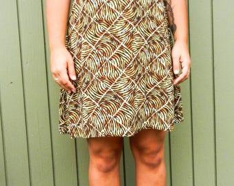 SALE***VINTAGE// Tiger Print Shift Dress// Tiger Striped Dress// Animal Print Dress// Knee Length Print Dress// Knee Length// Flowy Dress