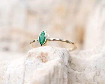 Emerald Engagement Ring, 14k Gold Ring, Alternative Wedding Ring, Green Gold Ring, Natural Emerald Ring, Stacking Ring, Delicate Ring