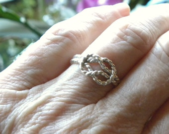 Infinity Forget-Me-Not, Forget-Me-Knot Ring in Sterling Silver, Celtic Knot Friendship RingR131