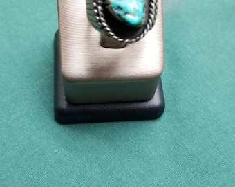 Vintage turquoise/Sterling natural cut ring. Size 6