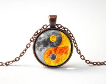 Women pendant Moon gift Ying yang necklace Full moon Luna Zen jewelry Moon pendant Ying yang moon Men pendant Glass pendant Yoga necklace