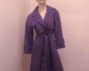 Vntg London Fog Trench Coat w/ Tie at Waist and Interior Pattern, size M