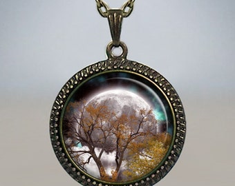 Autumn Equinox pendant, Autumn Equinox necklace, full moon necklace, Wiccan jewelry, pagan jewelry, Mabon pendant, Mabon jewelry