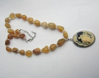 Golden Agate Cameo Pendant Necklace FREE SHIPPING (US)