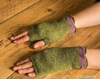 Green & lilac wool fingerless gloves. Texting gloves. Knitted wool wrist warmers. gift ideas. Fingerless mitts. Lambswool gloves.
