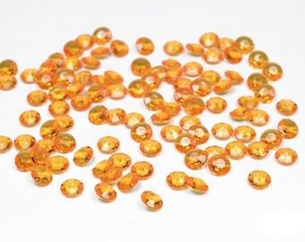 100 Diamants en plastique orange 668 decoratifs de table