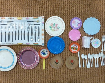 Vintage Toy Plate Play Dishes Utensils Kitchen Baking Food  Plastic Tin Lot Set (#1454)