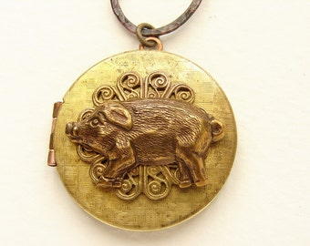 Vintage Pig Locket Necklace, animal necklace, vintage locket necklace, photo locket piglet swine long necklace