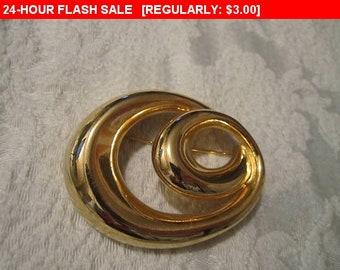 Large goldtone brooch, vintage pin brooch, estate jewelry brooch