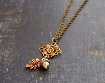 Leaf Acorn Necklace Acorn Leaf Pendant Autumn Leaf Jewelry Leaf Pendant Necklace Autumn Acorn Necklace Fall Leaf Necklace Nature Squirrel