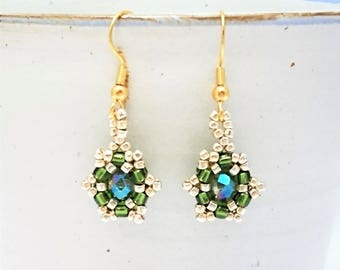 Green dangle earrings, Special occasion jewelry, Sparkly earrings, Green and gold drop earrings, Ladies evening jewellery, Unique earrings