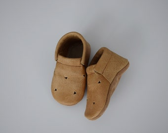loafers / baby moccasins mocks / soft soled shoes / cork with cutouts