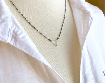 Silver Triangle Necklace, Simple Minimal Layering Necklace, Oxidized Sterling Silver Chain Boho Chic Geometric Tiny Triangle Pendant Dainty