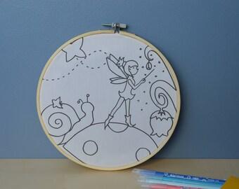 tableau à colorier sur tissu imprimé fée sur un champignon