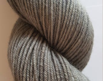 "Hand dyed Worsted 4 ply Highland Wool ""Granite"", beautiful medium gray tones, perfect for hats, mittens, cowls, scarves, sweaters."
