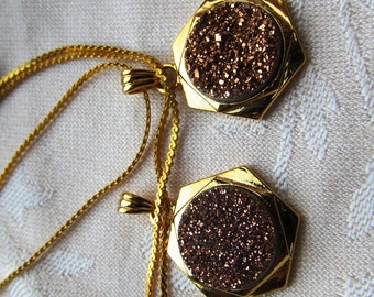 14mm Champagne Druzy Cabochon in Gold-plated Geometric Pendant with Chain