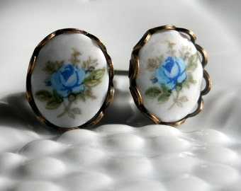 Antiqued Oval White And Blue Rose Flower Post Earrings