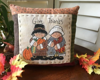 Primitive GIVE THANKS Pillow - Hand Embroidery - Fall Room Accent - Pilgrims - Farmhouse Decor - Country Decoration - Pumpkins - Turkey