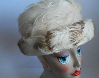 Vintage 1950s Ivory Feather Hat