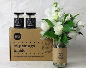 LVLY Pick-me-up - flowers + gift box