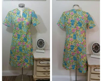 1970s polyester day dress, size large