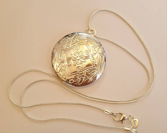Lovely Round Locket  .925 Sterling