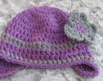 Purple flower hat for your toddler!