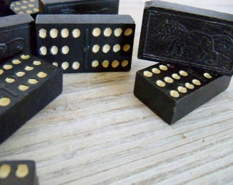Vintage Dominoes Double Twelve Lion Design Vintage Game Wooden Dominoes 1940s 39 Pcs Vintage Toy Dominoes