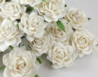 15 White Mixed Large Paper Roses Flowers DIY Scrapbooks Wedding Bouquets Faux Cupcake Cards Dolls Crafts 15/ZB1