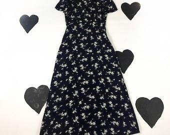 90's floral grunge maxi dress 1990's Laura Ashley tiny ditsy floral romantic prairie boho fluttery daisy bouquet 40's style tea dress 6 S